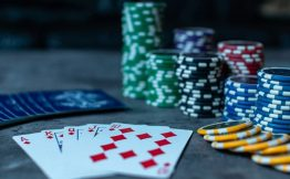 To See Opponent Hands In Online Poker - Betting