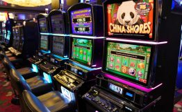 Nine Precious Lessons About Online Casino